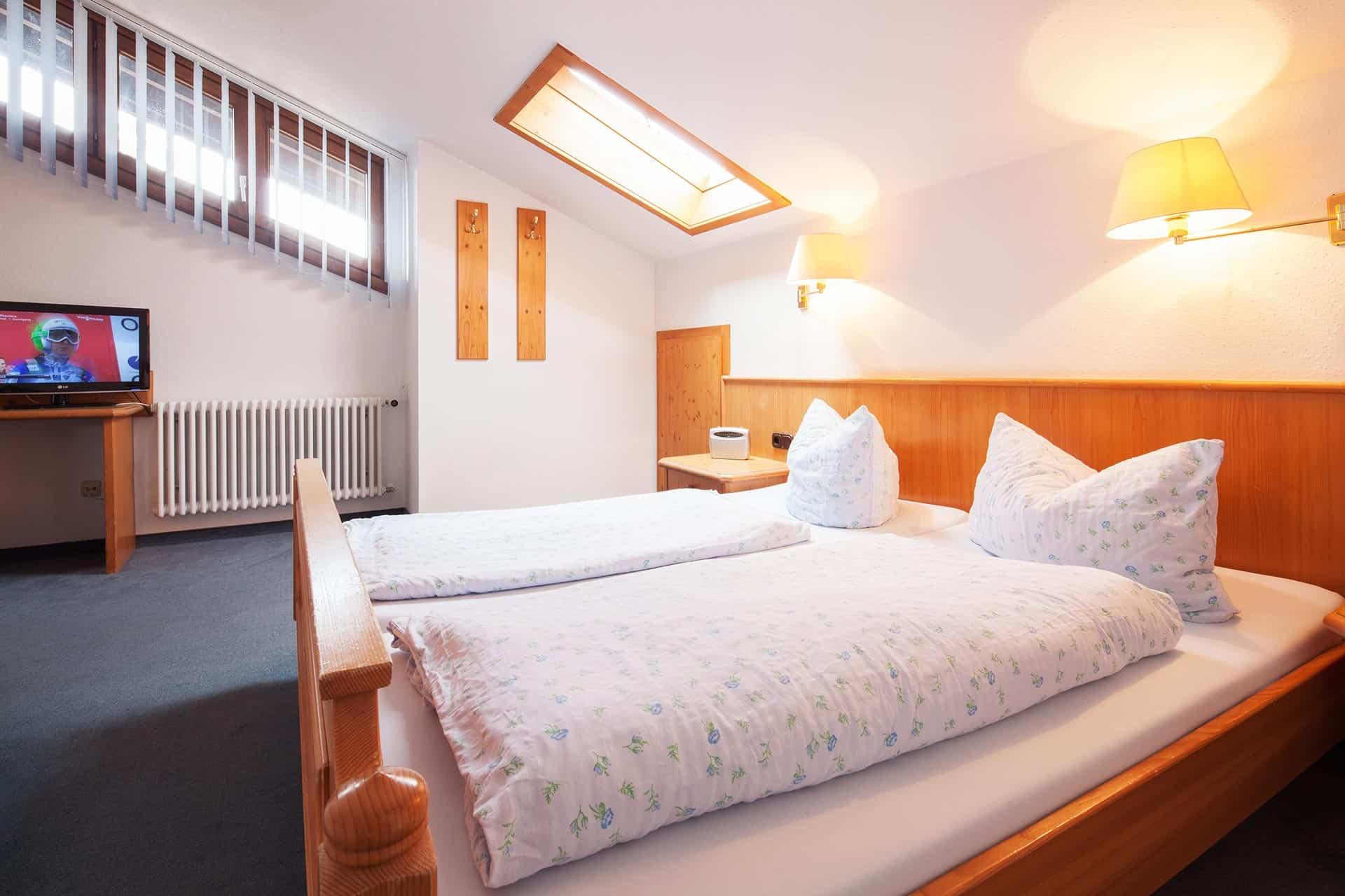 Sonnenheim Hotel Suite mit Wohn- u. Schlafzimmer