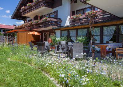 Hotel Sonnenheim Oberstdorf Terrasse Garten